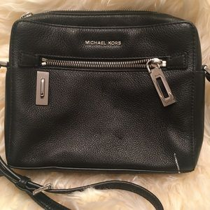EUC MICHAEL KORS LEATHER Shoulder Bag